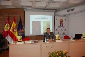 Don Alfonso C. Sanz durante la presentación